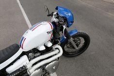 d9372df5e0a4 Hawkers Ones modelo triumph thruxton realizada por Tamarit Motorcycles.  Tamarit hace proyectos para triumph bonneville