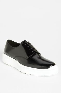 Men's shoe/athletic shoe/modern fashion/ new shoe/men's fashion/Prada Wedge Sole Derby.