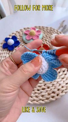 Easy Crochet Flower, Free Crochet Flower Patterns, Crochet Flower Tutorial, Crocheted Flowers, Crochet Instructions, Crochet Patterns Amigurumi, Crochet Designs, Crochet Crafts, Yarn Crafts