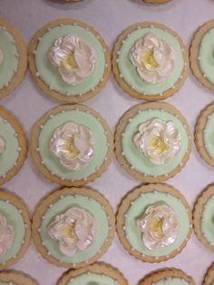 Magnus cookies by TracyCakesAR.