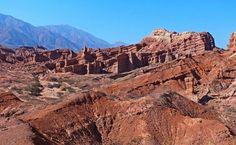 """""""""""Las Ventanas"""""""" por el camino de la Quebrada de Las Flechas, camino hacia Cafallate, Salta, Argentina"""