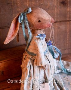 Original primitive and folk art dolls, ornaments, pins and home decor. A passion for primitive folk art lives here Primitive Ornaments, Primitive Folk Art, Primitive Crafts, Bunny Bunny, Easter Bunny, Easter 2018, Fabric Toys, Soft Sculpture, Softies