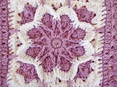 [Free Pattern] Flower Blossom Granny Square
