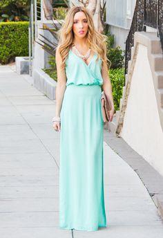 Платье цвета тиффани