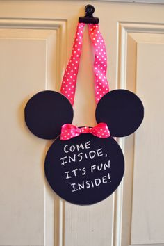 Sharing Bliss: Minnie Mouse Birthday Party on a Budget