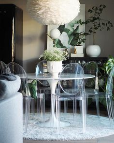 Transparent | Victoria Ghost by Philippe Starck | Kartell iconic chair