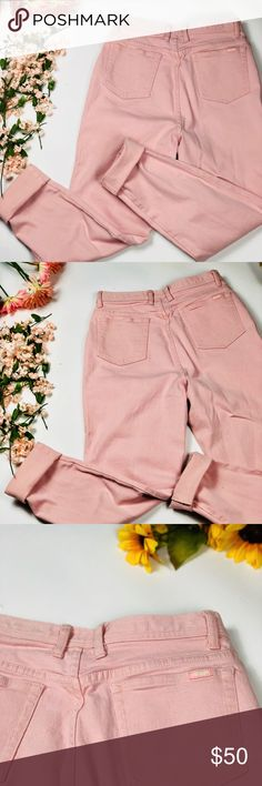 """VTG 🌸 milky pink high-waisted mom jeans Color: pink Size: Tag says size 14 but VTG tends to run small so please consider additional FLAT measurements: 14.5"""" high-waist, 20.5"""" hip, 33"""" inseam, 6"""" leg opening Material: 96% cotton / 4% lycra  Brand: Gloria Vanderbilt ~•So Adorable•~ Milky pink high-waisted mom jeans in perfect VTG condition! Wear with heels, a white tee, & lipstick for a classic look, girly with lace/ruffles/soft knits, or grunge with combats - buyer's choice! These babies…"""