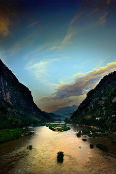 Nong Kiau, Laos. Paul Wager