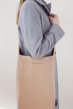 Nude bag by Tinne Mi