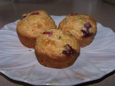 My healthy blueberry muffin recipe! Only 160 calories and 4 grams of fat, compared with normal muffins that have 510 cals and 16 grams of fat.