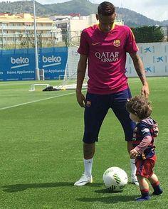 "fzneymar: "" #Neymar (17.05.2016) #Repost @nanacarmignani ・・・ Nossa manhã começou assim  #Barcelona #JogoBolaComONeymar @neymarjr """