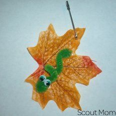 Autumn Inch Worm - Craft store leaf, pipe cleaner worm and wiggle eyes. I made these for Fall Frolic Campout 2011. www.scoutmom.net