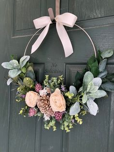 Spring wreath, Spring wreaths for front door, Summer wreath - Front Door Ideas Spring Front Door Wreaths, Spring Wreaths, Winter Wreaths, Shabby Chic Kranz, Modern Wreath, Floral Hoops, Valentines Day Decorations, Front Door Decor, Summer Wreath