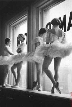 Vintage ballet scene <3