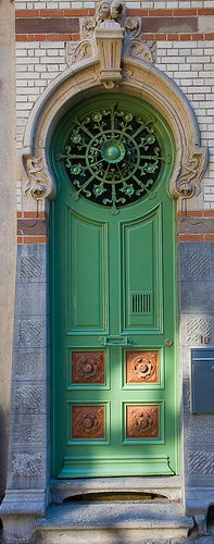 Key Hole Shaped Door in Patershol, Ghent, Oost-Vlaanderen, Belgium. (****Duplicate Pin)