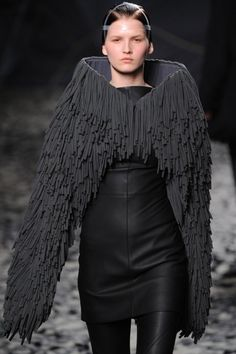 gareth pugh @Louise Cote Cote Harrison she looks like a female raven mocker! hehe