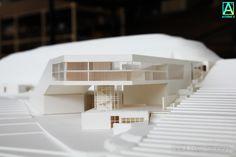 La imagen puede contener: tabla, exterior e interior Arch Model, Brick Building, Environment Design, School Design, Architecture Design, Exterior, House Design, Studio, Buildings