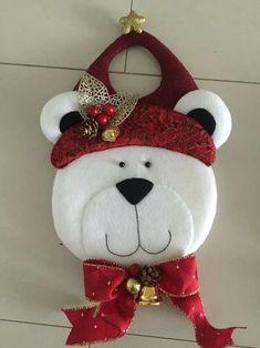 Maru Rivera Muñoz's media content and analytics Christmas Gift Decorations, Beaded Christmas Ornaments, Handmade Decorations, Red Christmas, Christmas Time, Christmas Stockings, Christmas Wreaths, Christmas Crafts, Garland Hanger