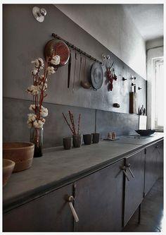 vintage industrial kitchen by Pietro Russo Dining Room Design, Room Interior, Interior Design Living Room, Dining Rooms, Apartment Interior, Interior Paint, Küchen Design, House Design, Design Ideas