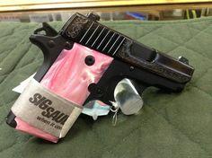 Sig Sauer P238, pretty! Sig Sauer P238, Sig Sg 550, Pink Guns, Toys For Girls, Girl Toys, Trending Christmas Gifts, Pink Ladies, Ladies Club, Cool Guns