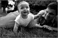 EN- Let her sleep for when she wakes, she will move mountains - sweet dreams princess.  DE- Süße Prinzessin schlafend bei mir.... Ich liebe sie, schaue ihr beim Schlafen zu...  Mädchen, Baby, weiß und sxhwarz, Fotoschooting, Kinder, children, white and black, girl, fotoshooting. Couple Photos, Couples, Baby, Princess, Photo Shoot, Love, Kids, Couple Shots, Couple Photography