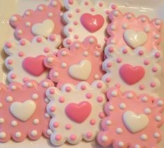 How to Make Easy Sugar Cookies for Valentines Day Kids Will Love -- fun ideas for school parties or baking with little ones. Fancy Cookies, Iced Cookies, Cute Cookies, Royal Icing Cookies, Cupcake Cookies, Sugar Cookies, Heart Cookies, Valentines Day Cookies, Valentines Sweets