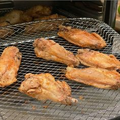 Best Air fryer Frozen Chicken Wings: Reviews And Rankings Breaded Chicken Wings, Boneless Chicken Wings, Frozen Chicken Wings, Air Fryer Wings, Air Fryer Chicken Wings, Chicken Sliders, Chicken Bites, Wings In The Oven, Spicy Wings