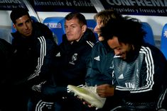Toni Kroos of Real Madrid CF in the bench prior the La Liga match between Getafe CF and Real Madrid CF at Coliseum Alfonso Perez on April 2019 in Getafe, Spain. Get premium, high resolution news photos at Getty Images Mc 12, Real Madrid Wallpapers, Toni Kroos, Best Club, Sports Images, Adidas Jacket, Bench, Football, Boys