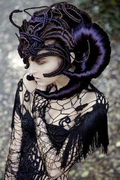 #Goth girl described as having Demiurgic hairstyle