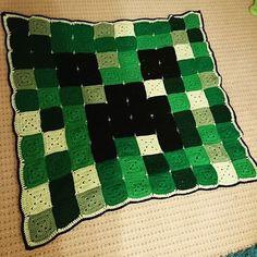 Creeper Minecraft pixel crochet blanket by Jennifer Baggott 1f58ddb226c