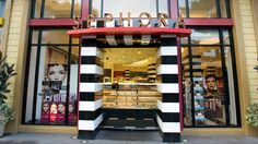 Sephora® | Shop what's hot in cosmetics, fragrances, skincare and more at this juggernaut emporium for all things beauty.