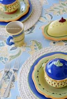 Pfaltzgraff Pistoulet dinnerware | homeiswheretheboatis.net #tablescape