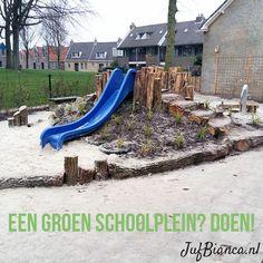Een groen schoolplein - zo krijg je het voor elkaar - Juf Bianca 2 Natural Playground, Outdoor Playground, Cool Playgrounds, Hillside Landscaping, Backyard For Kids, Backyard Ideas, Outdoor School, Backyard Makeover, Kids House