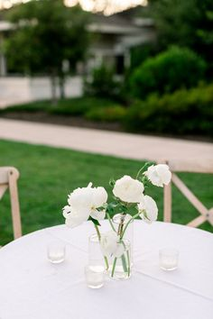 Green Wedding, Floral Wedding, Our Wedding, Wedding Flowers, Cake Wedding, Wedding Ideas, Simple Wedding Bouquets, Wedding Vases, Bouquet Wedding