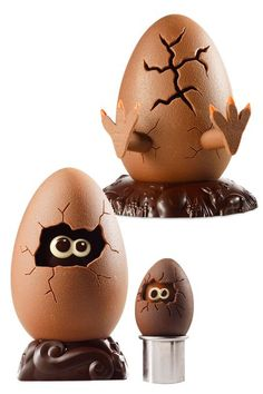 By Christophe Roussel 2014 Simultaneously funny & adorable. Chocolate Work, Chocolate Shop, Easter Chocolate, Chocolate Lovers, Christophe Roussel, Chocolate Showpiece, Egg Cake, Easter Egg Designs, Chocolate Sculptures