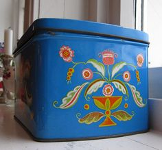 New thrifted tin, side | According to the seller this is Swe… | Flickr