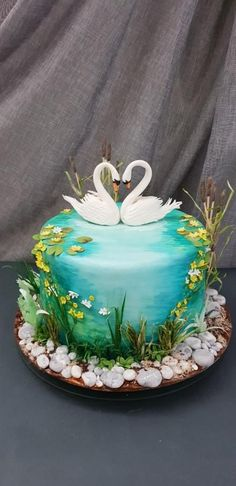 Swans from the river Mreznica by iratorte - Kuchen Pretty Cakes, Cute Cakes, Beautiful Cakes, Amazing Cakes, Beautiful Swan, Lake Cake, Nature Cake, Bolo Floral, Animal Cakes