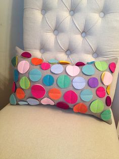 Rainbow disc pillow on grey linen by dedeetsyshop on Etsy Sewing Pillows, Diy Pillows, Decorative Pillows, Cushions, Throw Pillows, Bright Pillows, Small Pillows, Beautiful Closets, Homemade Home Decor