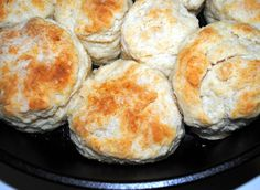 Paula Deen Biscuits and Jamie Sausage Gravy – Crazy Jamie Southern Biscuit Recipe Paula Deen, Paula Deen Biscuits, Southern Biscuits And Gravy, Sausage Gravy And Biscuits, Paula Dean Biscuit Recipe, Breakfast Dishes, Breakfast Recipes, Snack Recipes, Cooking Recipes