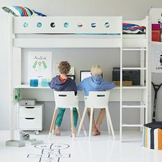 FLEXA high beds grow with the children and are created in long-lasting materials. At FLEXA you find a wide range of beds for the child's room. Bunk Beds Built In, Kids Bunk Beds, Sharing Bed, High Sleeper Bed, High Beds, Bunk Bed Designs, Kids Room Organization, Kids Bedroom Furniture, Boy Room