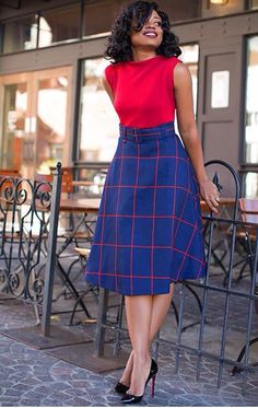 I'm sooo loving this outfit! Modestly midi with texture and color!