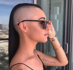 shaved short girl hairstyles #shavedshortgirlhairstyles Half Shaved Head, Shaved Sides, Girl Short Hair, Short Hair Cuts, Short Hair Styles, Short Girls, Badass Haircut, Female Mohawk, Up Dos