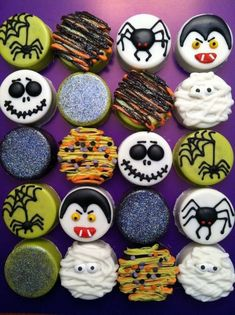 Gateau Theme Halloween, Bolo Halloween, Halloween Sugar Cookies, Halloween Sweets, Fete Halloween, Halloween Chocolate, Halloween Goodies, Halloween Cupcakes, Halloween Food For Party