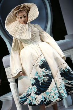 Christian Dior Spring 2007 Haute Couture. I've seen this before and I absolutely love it.
