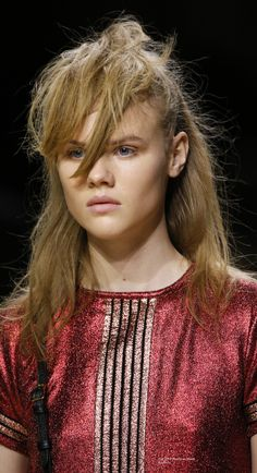 Fall 2016 Ready-to-Wear Burberry