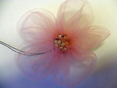 DIY Tutorial: flowers / DIY tulle flowers - Bead&Cord