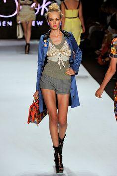 ZAC Zac Posen Spring 2011 Ready-to-Wear Fashion Show - Siri Tollerød
