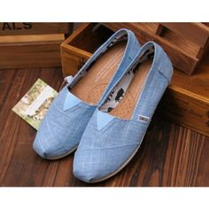 Toms shoes,I like all of them. And the price the low. Toms Canvas Shoes, Cheap Toms Shoes, Toms Shoes Outlet, Sneakers Fashion, Fashion Shoes, Blue Toms, Toms Classic, Blue Fashion, Fashion Women