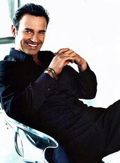 nip/tuck series, this is who I think would make a great Christian Grey!!