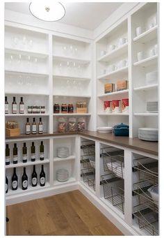 Kitchen Pantry Design, Kitchen Pantry Cabinets, Interior Design Kitchen, Kitchen Countertops, Kitchen Ideas, Kitchen Decor, Kitchen Shelves, Kitchen Drawers, Kitchen Tables